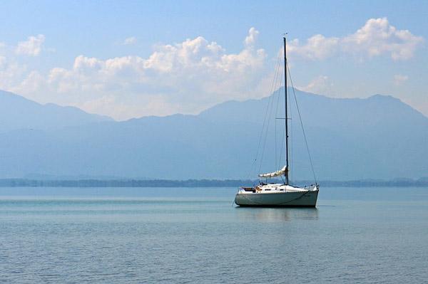 Patria Hispana asegura tu velero con PH Embarcaciones de Recreo