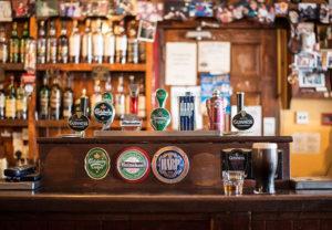 Si tienes un bar, te conviene contar con un seguro de comercio