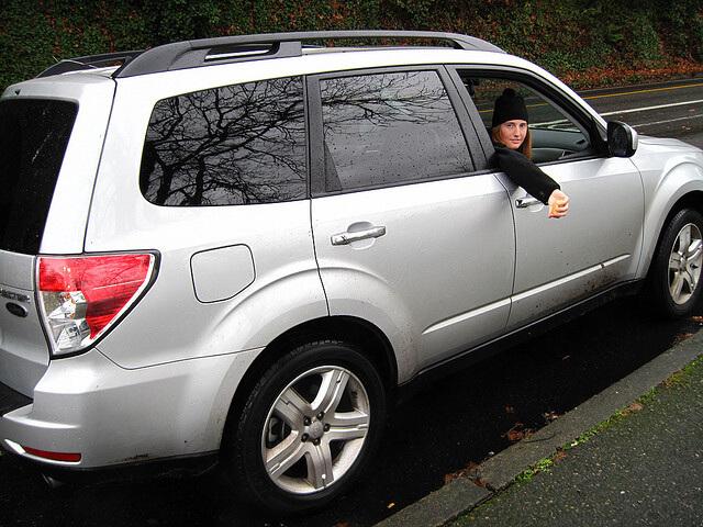 El seguro obligatorio de automóvil es elegido por siete de cada diez conductores