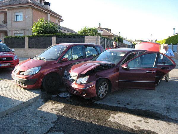 El seguro de coche resuelve al año más de 1,7 millones de accidentes leves