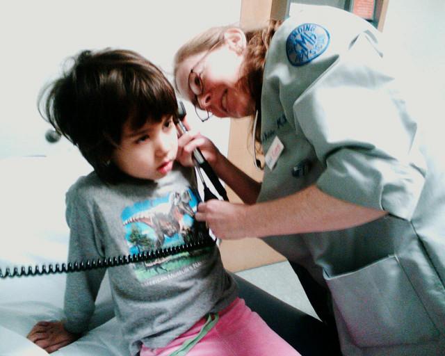 Seguro de salud: los niños y los mayores de 65 años son los que más visitan al médico
