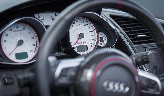 El seguro de coche se contrata cada vez más en Internet