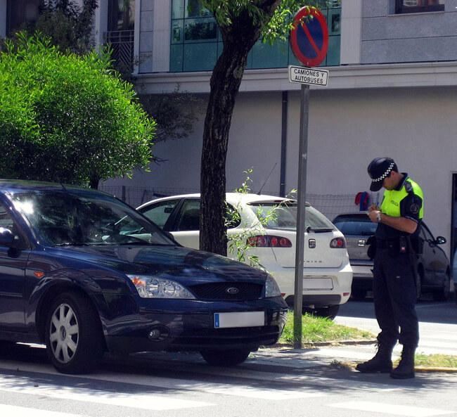 Quienes tengan un seguro de coche de Catalana Occidente serán avisados de sus multas