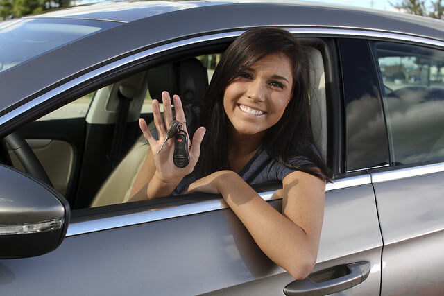 Los jóvenes cada vez conducen menos