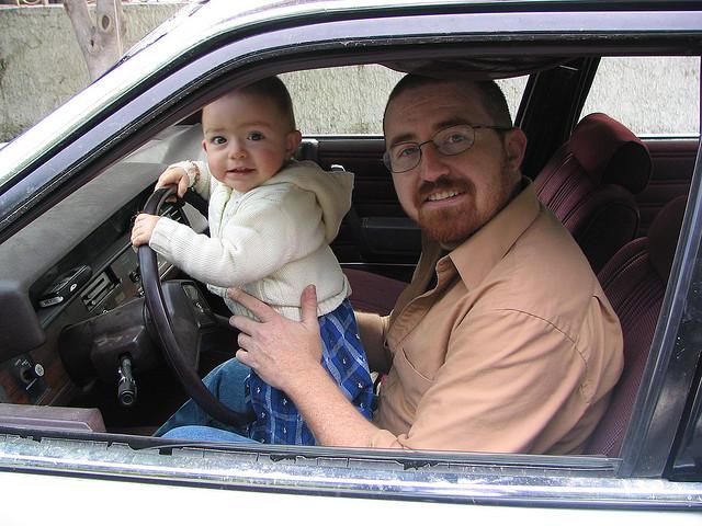 Los niños son los acompañantes que más influyen en la conducción