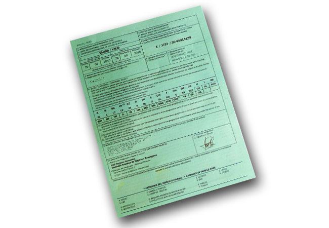 El seguro obligatorio del coche nos cubrirá en otros países con la Carta Verde