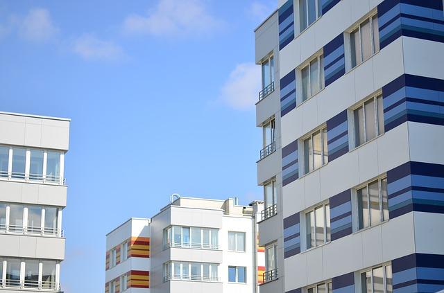 El seguro de hogar no valora igual el riesgo de un piso en un bloque de viviendas en ciudad que asegurar un chalet unifamiliar