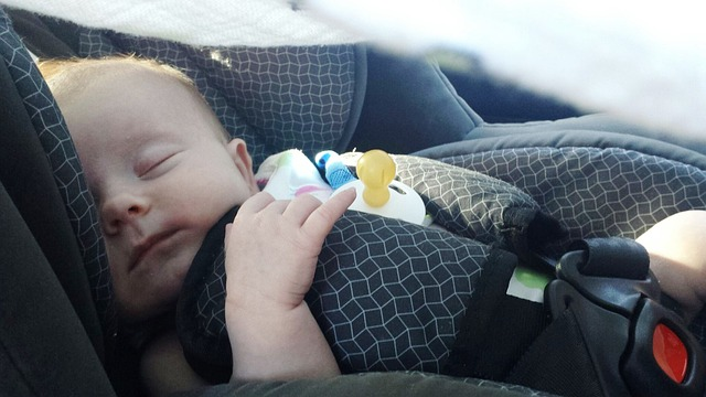 Entran en vigor las nuevas normas para el uso de sistemas de retención infantil en coches