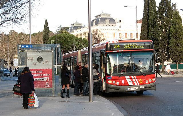 El transporte público es, de media, un 30% más barato en las ciudades españolas.