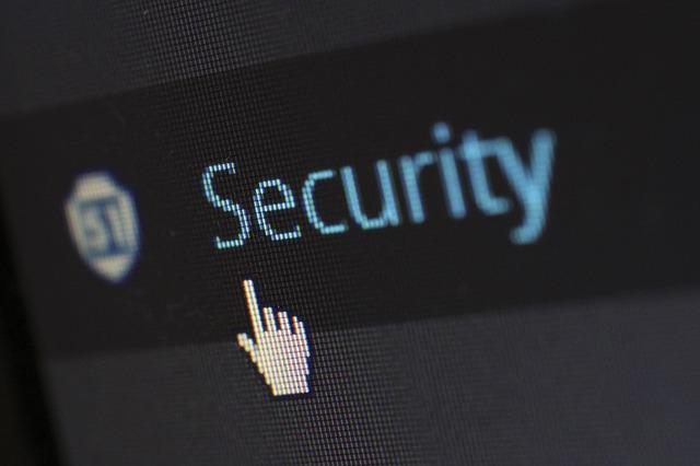 Los riesgos cibernéticos y sus consecuencias ya cuestan uno la ciberdelincuencia cuestan unos 445.000 millones de dólares a la economía mundial