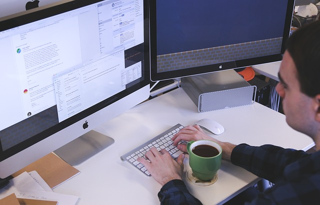 Los seguros del futuro deberán cubrir la posibilidad de que un ataque informático cese la actividad de una empresa.