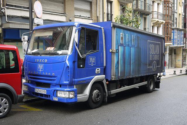 Si conduces un camión y tu actividad principal es el transporte, necesitas el CAP