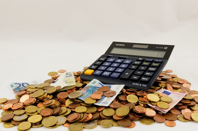 Los españoles gastamos en seguros 1.191 euros cada año.
