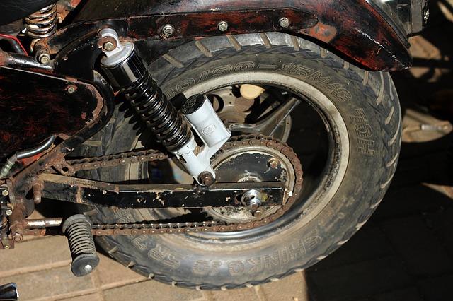 El uso y el no uso de la moto, afecta a los neumáticos