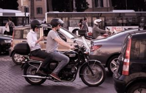 Los seguros de moto atienden más de 90.000 servicios de asistencia en viaje al año.