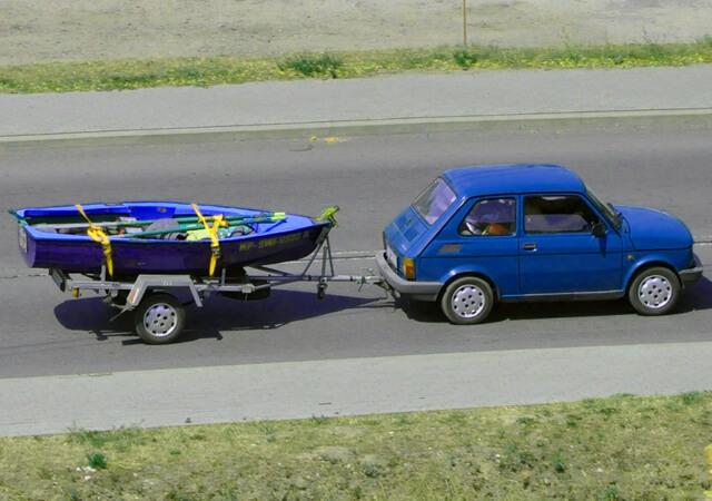 El seguro no es obligatorio en los remolques de menos de 750 Kg porque están cubiertos con la póliza del coche