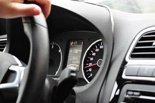 Conducir sin seguro de coche supone una multa de 1.500 euros para los turismos.