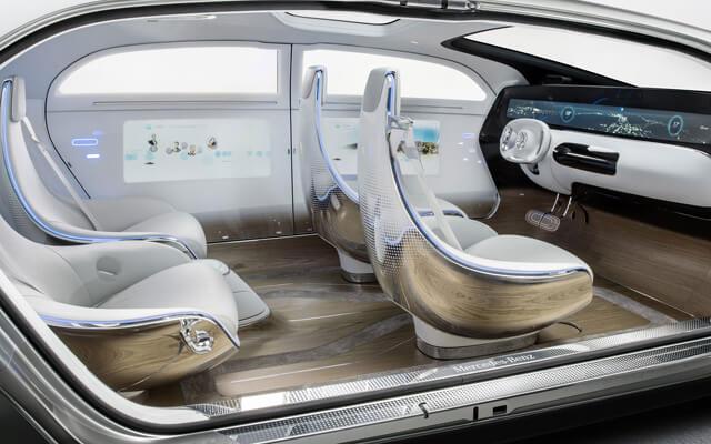 En el coche del futuro no desaparecen ni el volante ni los frenos, por seguridad