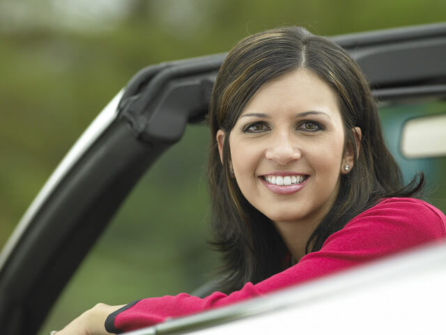 Existen seguros de coche pensados para los conductores más jóvenes