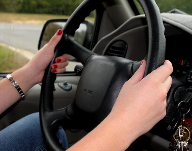 Muchos jóvenes menosprecian los riesgos de conducir bajo los efectos del alcohol y las drogas