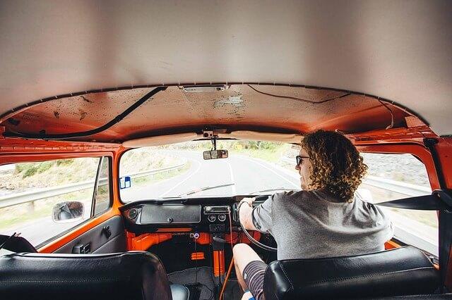 ¿Es más seguro conducir una furgoneta? La siniestralidad baja en 2015