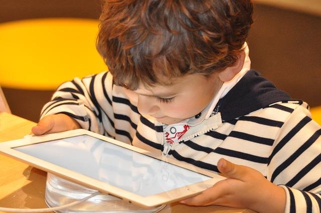 Seguros Aviva promueve la educación financiera entre niños