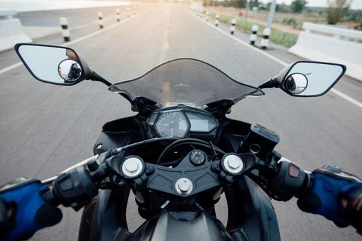 Seguro con garantía de daños propios para motos