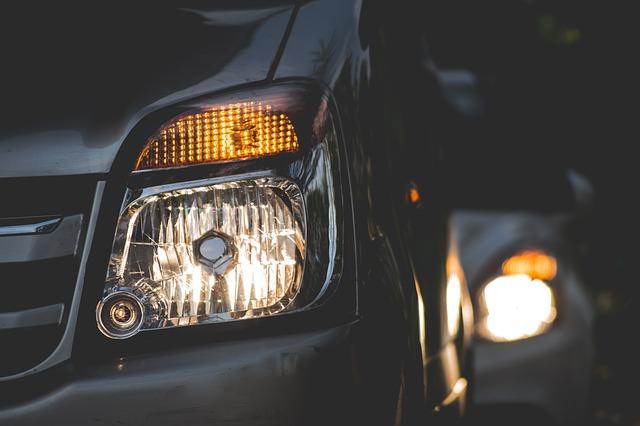 Luces para conducir el coche seguro