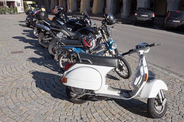 Los conductores de motos tienen hábitos seguros en las ciudades