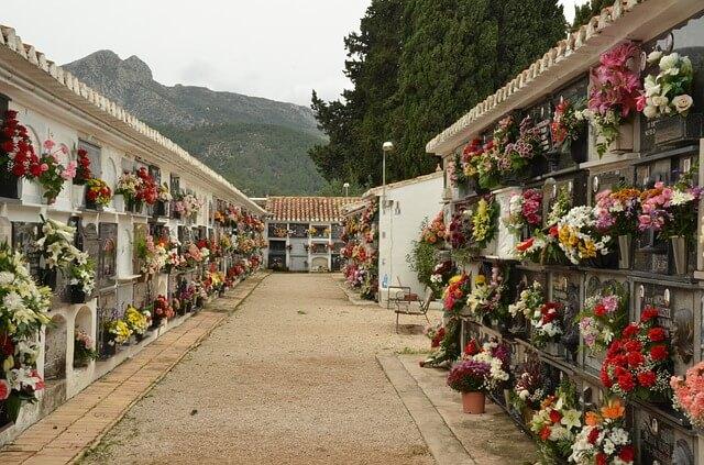 Los Seguros de Decesos cubren más de la mitad de los entierros en España