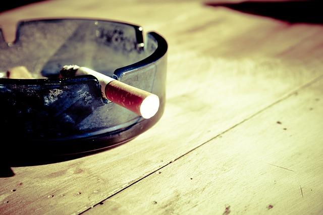 El Seguro de Salud tiene al tabaco como un riesgo