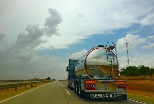 Seguridad para conducir con camiones seguros