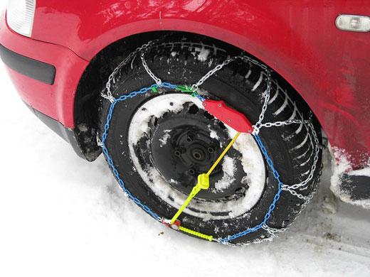 Las cadenas aseguran el agarre del neumático en la nieve