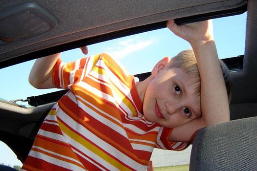 este es el asiento más seguro para niños en un automóvil