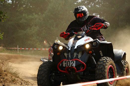 casco obligatorio en quads y ATV