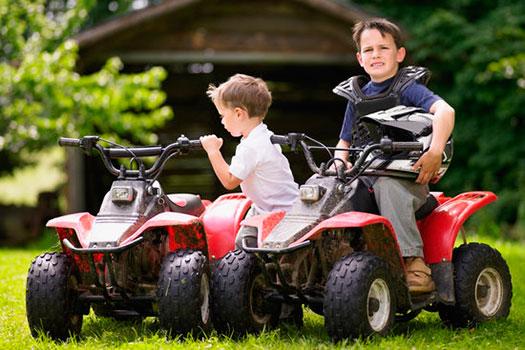 Los quad para niños: consejos de seguridad para los padres