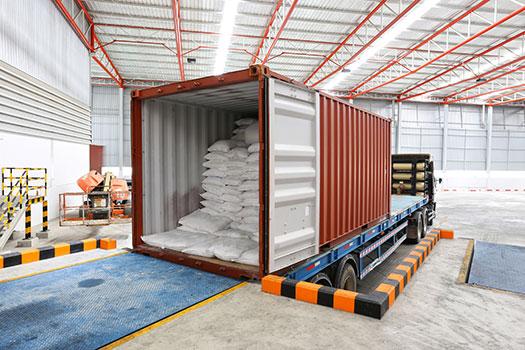 cargar remolque del camion - seguro de mercancia de camiones