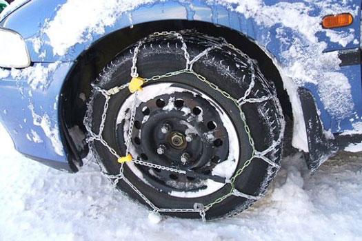 poner las cadenas del coche para conducir por la nieve