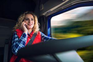 transportista contratando seguros de camion baratos online